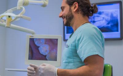 Wichtigkeit von Prophylaxe bei Implantaten
