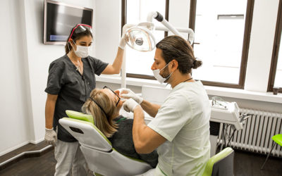 Trotz gründlichem Putzen Karriers und Zahnfleischblutungen? Die Zahnmedizinische Prophylaxe beugt Karriers und Schmerzen vor!