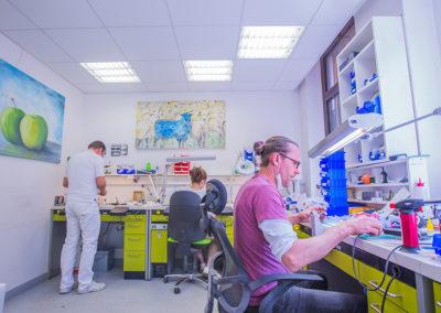 Praxiseigene Labor von Dr. Pantas in Düsseldorf
